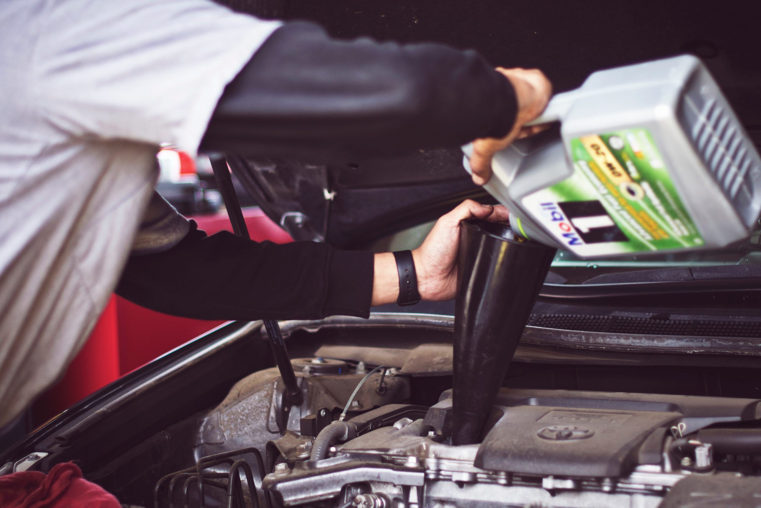 What You Should Know About Oil Types Before Your Next Oil Change